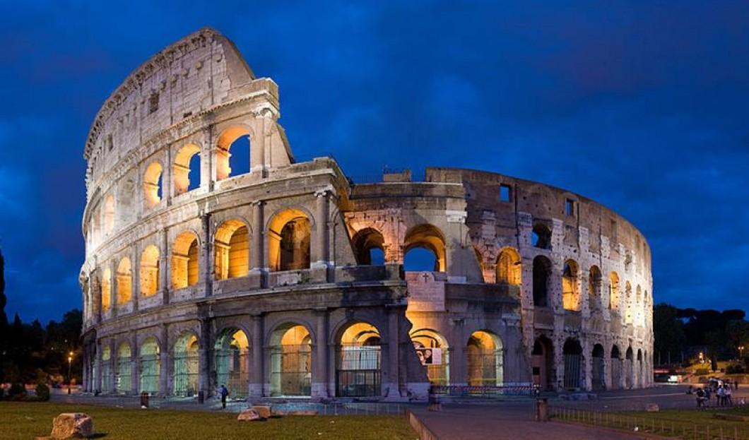 6) Koloseum, Řím, Itálie
