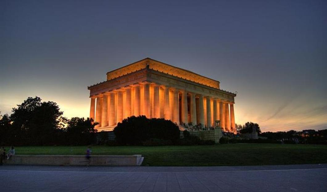 5) Lincolnův památník, Washington D.C., USA