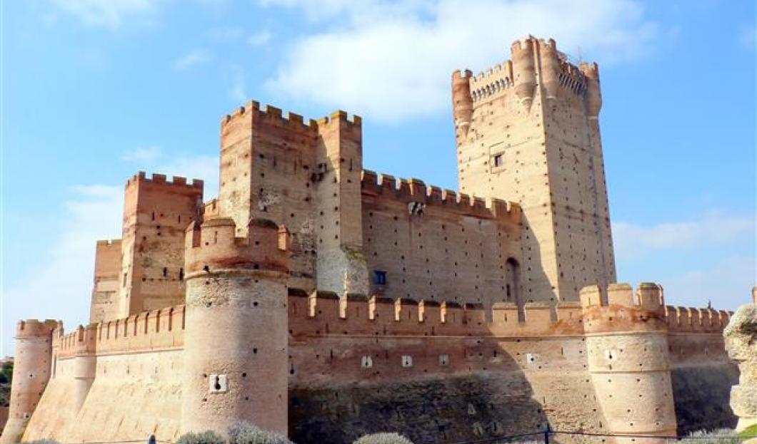 Hrad de la Mota, Španělsko